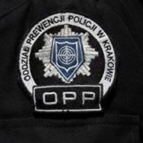 Policjanci krakowskiego Oddziału Prewencji Policji zatrzymali 3 mężczyzn podejrzanych o rozbój