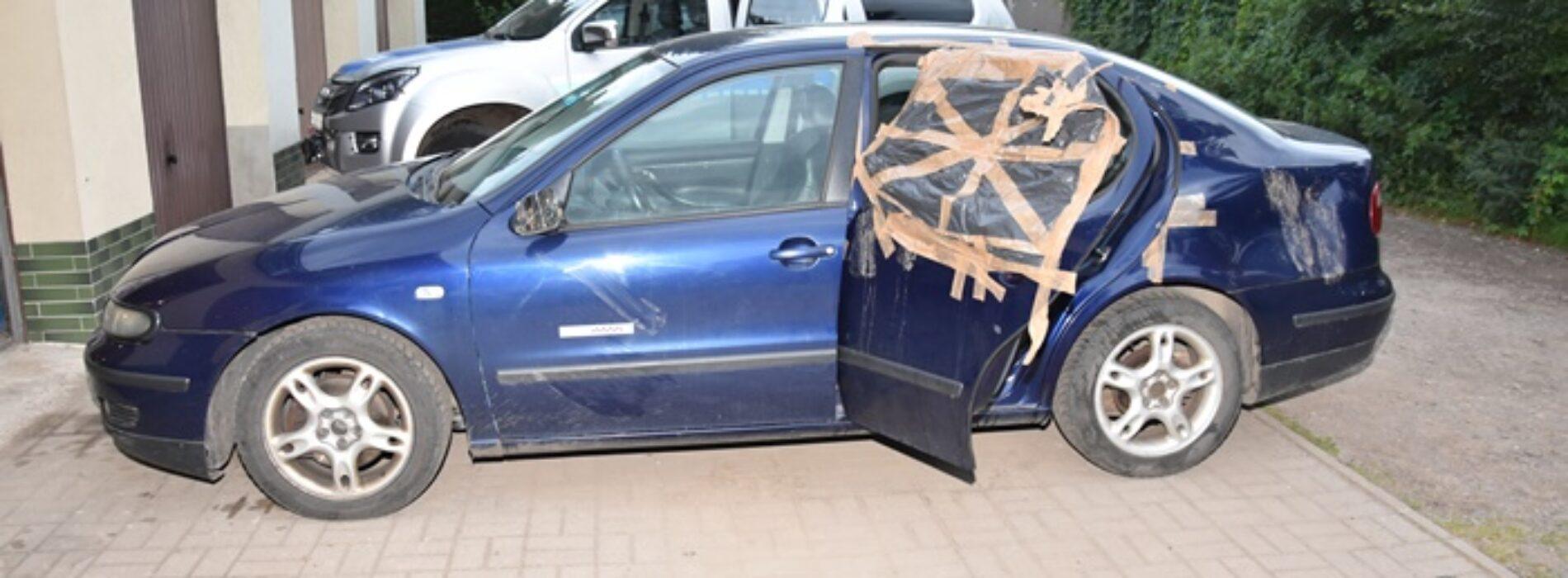 25-latek z rozpaczy po rozstaniu z dziewczyną wyładował złość na samochodzie jej obecnego partnera