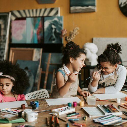 Czego potrzebuje dziecko, aby pójść do szkoły – lista wyprawki szkolnej